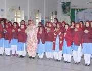 لاہور: نئے سال کی آمد کے موقع پر گورنمنٹ فاطمہ گرلز ہائی سکول مزنگ کی ..
