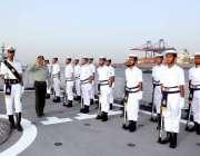 کراچی: پاکستان نیوی کا دستہ چینی وائس چیئرمین سینٹرل ملٹری کمیشن جنرل ..