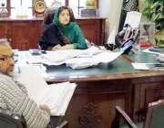 لاہور: ڈپٹی کمشنر لاہور صالحہ سعید ہائی لیول ڈیزائن کمیٹی کے اجلاس ..