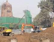لاہور: جی پی او چوک میں اورنج لائن ٹرین منصوبے پر کام جاری ہے۔