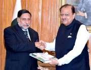 اسلام آباد: صدر مملکت ممنون حسین کو چیئرمین انسانی حقوق جسٹس (ر) علی ..