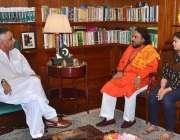 کراچی: گورنر سندھ محمد زبیر سے کسٹوڈین پنج مکھی مندر رام ناتھ مشرا ملاقات ..