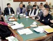 لاہور: ڈپٹی کمشنر صالحہ سعید شاہ عالم مارکیٹ کے تاجران کے وفد سے ملاقات ..