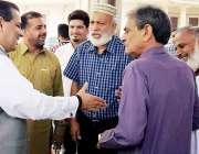 لاہور: وزیر سکولز ایجوکیشن پنجاب مرادراس مختلف وفود سے ملاقات کے موقع ..