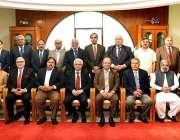 اسلام آباد: آڈیٹر جنرل آف پاکستان کا پولیس بورڈ میٹنگ کے موقع پر گروپ ..