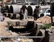 راولپنڈی: رحیم آباد پائپ لائن کے کام میں سست روی کے باعث علاقہ مکینوں ..