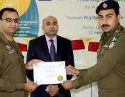 اٹک: ڈی پی او اٹک عبادت نثار پولیس لائن میں شارپ تنظیم کے زیر اہتمام ..