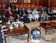 لاہور: گورنر پنجاب چوہدری محمد سرور سے بزنس کمیونٹی کا وفد گورنر ہاؤس ..