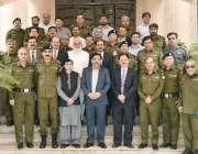 لاہور: سابق انسپکٹر جنرل پولیس پنجاب کیپٹن (ر) عارف نواز خان کا سینئر ..