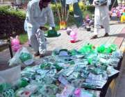 اسلام آباد:یوم آزادی کے حوالے سے دکاندار نے گاہکوں کو متوجہ کرنے کے ..
