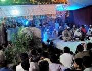 راولپنڈی: دربار شاہ چن چراغ کے سالانہ عرس کے موقع پر عقیدت مند قوالی ..
