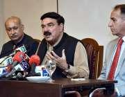کراچی: وفاقی وزیر ریلوے شیخ رشید احمد پریس کانفرنس سے خطاب کر رہے ہیں۔