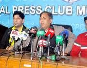مظفر آباد: پارلیمنٹرین الیون کے کپتان ایم ایل اے ڈاکٹر مصطفی بشیر، ..