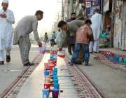 پشاور: مخیر حضرات کی جانب سے مستحقین کے لیے افطاری کا انتظام کیا جارہا ..