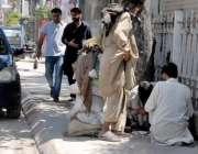 راولپنڈی: تھانہ سٹی کی حدود یں قائم ناکہ پر پولیس اہلکار موجود نہیں ..