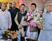 راولپنڈی: ملک عشرت باری راولپنڈی سے پی ٹی آئی کے نو منتخب ایم پی اے چوہدری ..