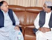 کوئٹہ: رکن صوبائی اسمبلی میر محمد خان لہڑی سے سابق صوبائی وزیر میر فائق ..