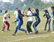 ملتان:انٹر کالجیٹ چمپئن شپ2018-19کے موقع پر گرلز کالج ممتاز آباد اور وومن ..