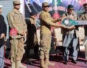 نیلم: وزیراعظم آزاد کشمیر راجہ فاروق حیدر خان، جنرل آفیسر کمانڈنگ میجر ..