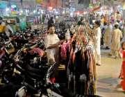 راولپنڈی: کمرشل مارکیٹ کے تجاوزات کے باعث خریداری کے لیے آنیوالوں کو ..