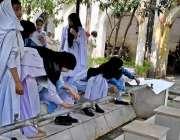 راولپنڈی: مری سے ای ڈی او آفس احتجاج کے لیے آنیوالی طالبات پیاس کی شدت ..