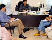 لاہور: ڈائریکٹر ایڈمن جاوید چوہان پنجاب انٹر نیشنل سوئمنگ کمپلیکس ..