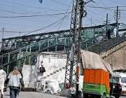 راولپنڈی: صدر بازار کے علاقہ میں قدیمی و مشہور پوڑی پل خستہ حالی کا ..
