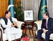 اسلام آباد: صدر مملکت ممنون حسین سے گریس سے سفیر ملاقات کر رہے ہیں۔