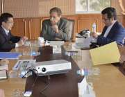 مظفر آباد: وزیراعظم آزاد کشمیر راجہ فاروق حیدر خان سے چیف ایگزیکٹو ..