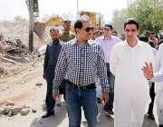 لاہور: ڈپٹی کمشنر لاہور کیپٹن (ر) انوارالحق سمسانی روڈ پر تجاوزات کے ..