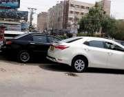 حیدر آباد: لطیف آباد نمبر7فلائی اوور کے نیچے کاروں کا غیر قانونی سٹینڈ ..