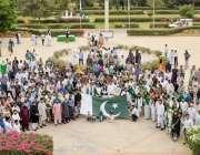 کراچی: ہمدرد یونیورسٹی میں یوم آزادی کی تقریب کے موقع پر وائس چانسلر ..