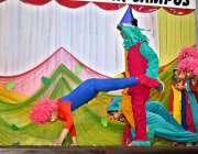 اسلام آباد: دی ایجوکیٹر کمر کیمپس میں ڈرامہ فیسٹیول کے موقع پر بچے اپنے ..