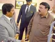کوئٹہ: وفاقی وزیر ریلوے شیخ رشید احمد کو کوئٹہ ریلوے اسٹیشن کے دورے ..