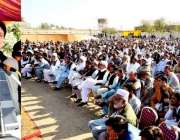 کرک: وزیراعلیٰ خیبر پختونخوا محمد خان عوامی اجتماع سے خطاب کررہے ہیں۔