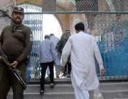 راولپنڈی: قدیمی جامعہ جامع مسجد میں ماہ رمضان کے دوسرے جمعتہ المبارک ..