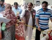اسلام آباد: ڈائریکٹر لائیو سٹاک راولپنڈی ڈویژن ڈاکٹر شاہد سجاد اور ..
