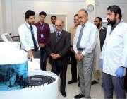 اسلام آباد: وزیر اعظم کے مشیر عرفان صدیقی پھلگراں ذیابطیس سنٹر میں ..