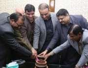 لاہور: سینئر صوبائی وزیر عبدالعلیم خان کرسمس کے حوالے سے منعقدہ تقریب ..