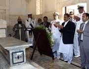 لاہور: وزیر اعلیٰ پنجاب سردار عثمان بزدار شاعر مشرق ڈاکٹر علامہ محمد ..