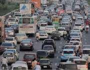 اسلام آباد: سگنل فری ایکسپریس وے پر بدترین ٹریفک جام کا منظر۔