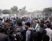 راولپنڈی: جہاز گراؤنڈ میں دن دیہاڑی ہونیوالے ڈکیتی کے بعد تاجر پولیس ..