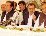 اسلام آباد: وفاقی وزیر برائے توانائی و پاور ڈویژن اویس خان لغاری و جنوبی ..