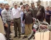 کراچی: چیئرمین بلدیہ عظمی وسطی ریحان ہاشمی، ڈپٹی کمشنر سینٹرل فرحان ..