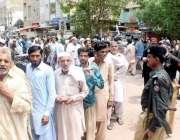 کراچی: عام انتخابات 2018  کے موقع پر ووٹ کاسٹ کرنے کے لیے آنیوالے ووٹرز ..