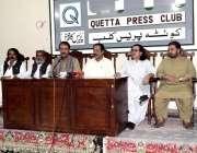 کوئٹہ: نیشنل پارٹی کے مرکزی سیکرٹری اطلاعات آغا حسن بلوچ و دیگر پریس ..