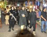 حیدر آباد: لیڈیز پولیس آفیشلز ریشم بازار کا کا دورہ کر رہی ہیں۔