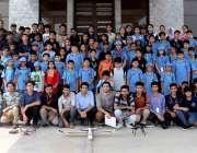 اسلام آباد:ائی ایس ٹی سپیس سمر سکول کی اختتامی تقریب کے موقع پر شرکاء ..