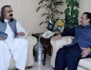 اسلام آباد: وفاقی وزیر برائے امور کشمیر و گلگت بلتستان سے گورنر گلگت ..