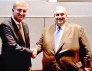 نیویارک: وزیر خارجہ مخدوم شاہ محمو دقریشی، بحرین کے وزیر خارجہ شیخ ..